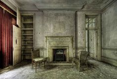 This manor. | 17 Abandoned Places That Will Give You Chills