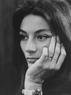ANOUK AIMEE. Great French face.