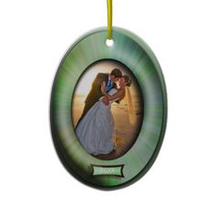 Oval Green Frame Photo Frame Ornament