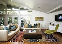 I want those blue pillows! And that rug!