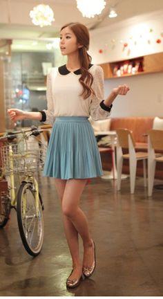 Pleated skirt + Peter Pan collar
