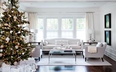 Holiday decor doesn't have to be traditional red and green. Mix up colours and decor styles to make your home your own this Christmas season!