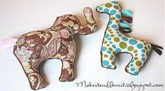 Now for the Giraffe. (A continuation of yesterday's post.) I guess it doesn't take a lot more explaining but here's another cuddly little friend for you all. Cut out your giraffe, the same way you cut out your elephant. Sewing Toys, Baby Sewing, Baby Crafts, Kids Crafts, Pet Toys, Baby Toys, Handgemachtes Baby, Diy Baby, Sewing Stuffed Animals