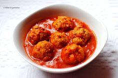 Musztardowe klopsiki z kaszą jaglaną w pomidorowym sosie
