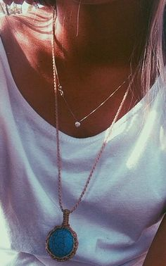 love the small, delicate necklace with the larger turquoise. perfect pairing!