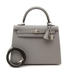 4c9606f2f2ca Hermès Kelly Sellier 25 cm Gris Mouette Bolsas Hermes, Hermes Bags, Hermes  Handbags,