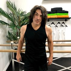 Kiss Images, Kiss Photo, Best Kisses, Paul Stanley, Kiss Band, Hot Band, Sexy Men, Sexy Guys, Celebs