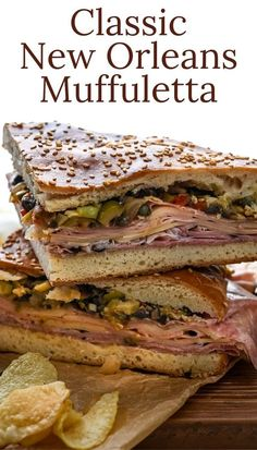 Sandwich Au Salami, Hoagie Sandwiches, Sandwich Recipes, Slider Recipes, Muffuletta Recipe, Muffuletta Sandwich, New Orleans Recipes, Mardi Gras Food, Louisiana Recipes