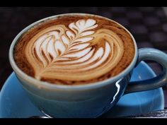 Watch and learn - DIY coffee art video! #lifeandcoffee #coffee #vidaecaffe
