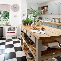 Hand-made kitchen island unit | Grey country kitchen | Makeover | PHOTO GALLERY | Ideal Home | Housetohome.co.uk