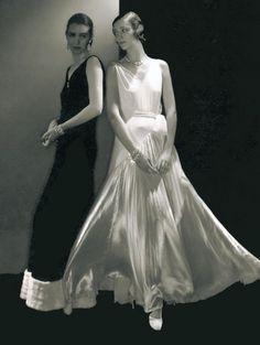 Madeleine Vionnet – Sculptural Modeling | Coletterie. A mini-history of Vionnet with pictures.