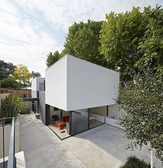 The Garden House is a new 1,900 sq ft house at the far end of the rear garden of a Victorian house in Battersea, South West London. Description by De Matos Ryan Architects A modern family conundrum was the unexpected catalyst for the creation of the new annex — the immediate need of a n... #Architects, #By, #De, #Garden, #House, #Matos, #Ryan