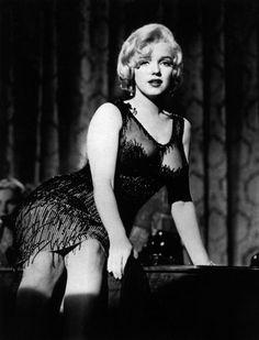 Joe Dimaggio, Hollywood Glamour, Classic Hollywood, Old Hollywood, Hollywood Actresses, Lee Strasberg, Fotos Marilyn Monroe, Cinema Tv, Some Like It Hot