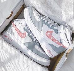 Cute Nike Shoes, Cute Sneakers, Nike Air Shoes, Sneakers Nike, Jordan Shoes Girls, Girls Shoes, Custom Shoes, Nike Custom, Air Force One Shoes
