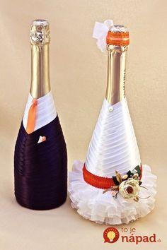 wedding bottle decoration,decorative bottles,bride and groom wine bottle covers,pimped bottles wedding,wedding decoration Wine Bottle Covers, Wine Bottle Art, Wine Bottle Crafts, Bottles And Jars, Glass Bottles, Wine Glass, Wedding Wine Bottles, Champagne Bottles, Wedding Glasses
