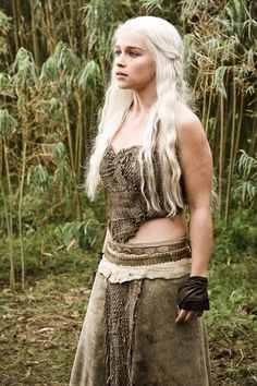 Daenerys Targaryen in the HBO medieval-fantasy series.Love Game of Thrones Related Post Game of Thrones Game of Thrones cast being totally normal…. Planet Of The Apes Game Of Thrones The Lord Of The. Game of Thrones – Season 4 Episode 4 Still Emilia Clarke Daenerys Targaryen, Game Of Throne Daenerys, Khaleesi Halloween Costume, Halloween Costumes, Halloween Queen, Halloween Ideas, Clarke Game Of Thrones, Game Of Thrones Costumes, Rock Poster