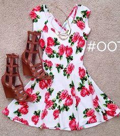 Floral dress Rose Dress, Flower Dresses, Dress Me Up, Teen Fashion, Womens Fashion, Romantic Look, Spring Looks, Dress Skirt, Dress Outfits