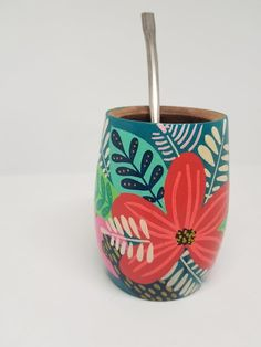Painted Plant Pots, Painted Flower Pots, Pottery Painting Designs, Paint Designs, Flower Pot Design, Flower Art, Small Flower Pots, Decorated Flower Pots, Posca