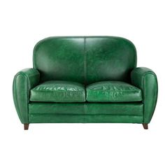 Tips That Help You Get The Best Leather Sofa Deal. Leather sofas and leather couch sets are available in a diversity of colors and styles. A leather couch is the ideal way to improve a space's design and th Black Leather Sofas, Best Leather Sofa, Unique Sofas, Sofa Price, Oxford, Beautiful Sofas, Green Sofa, Green Home Decor, Vintage Sofa