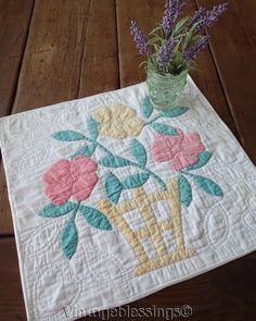 "Pretty Vintage 30s Applique Flower Basket DOLL or Table QUILT 16"" x 17"""