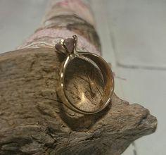 Golda and pink quartz. Madetorder. Handemed. Personalized design. eltrebolde4@gmail.com