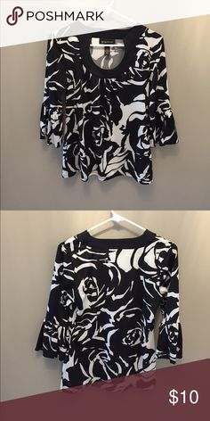 NWOT top Scoop detail neckline and loose 3/4 length sleeves INC International Concepts Tops