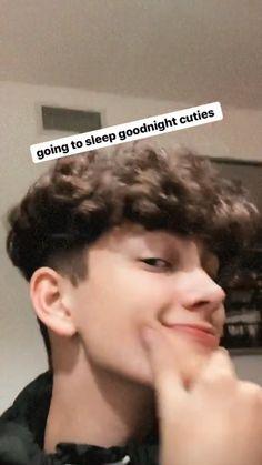 Mens Photoshoot Poses, Future Boyfriend, Go To Sleep, Cute Boys, Haircuts, My Love, Outfits, Beautiful Boys, Cute Guys