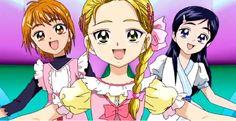 la de la izquierda es nagisa ,enmedio hikari, y derecha honoka