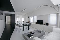 Minimal Apartment Lounge1 620x413 Minimalistic Black & White Apartment in Tokyo