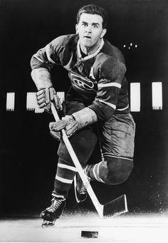 A terror on ice: The Rocket - Maurice Richard of the Montreal Canadiens Montreal Canadiens, Maurice Richard, Montreal Hockey, Hockey Pictures, Ice Hockey Teams, Hockey Stuff, Hockey Mom, Hockey Cards, Sports Figures