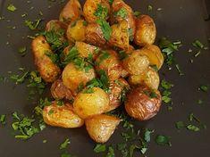Fokhagymás sült répa | Ágnes Bakos receptje - Cookpad receptek Chicken Wings, Sprouts, Potatoes, Vegetables, Cooking, Food, Kitchen, Potato, Essen