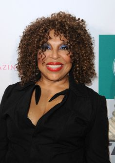 Roberta Flack Photos - Roberta Flack attends the Fashion 4 Development Annual First Ladies Luncheon at The Pierre Hotel on September 2012 in New York City. - Fashion 4 Development Annual First Ladies Luncheon - Arrivals Beautiful Black Women, Amazing Women, Roberta Flack, Ladies Luncheon, Delta Sigma Theta, Ageless Beauty, Style And Grace, Aging Gracefully, Famous Faces
