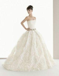 simple yet elegant floral designed wedding dress