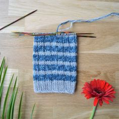 7 helppoa ideaa sukanvarteen - oikea ja nurja silmukka riittävät! Friendship Bracelets, Knitted Hats, Knitting, Pattern, Blog, Diy, Collection, Socks, Sock Knitting