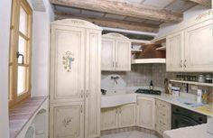 Cucina provenzale: mobili, pareti e pavimenti