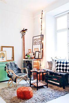 708*1059* Living space in studio apartment
