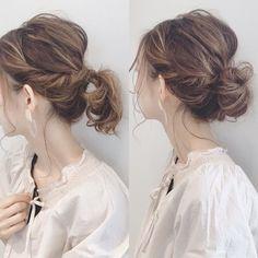 低めお団子で大人っぽい雰囲気をGET♡ラフにまとめるモテ髪スタイル特集 | folk Hair Up Styles, Hair Arrange, Japanese Hairstyle, Stylish Hair, Up Hairstyles, Hair Color, Hair Beauty, Style Inspiration, Wedding