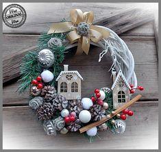 Magical Christmas, Christmas Wreaths, Christmas Crafts, Christmas Decorations, Xmas, Holiday Decor, Tulle Crafts, Wreath Crafts, Pine Cone Decorations