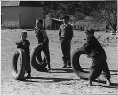 Playing with tyres Iran Pictures, Time Pictures, Cool Pictures, Cute Photos, Old Photos, Vintage Photos, Weegee, Puerto Rico History, Village Photography