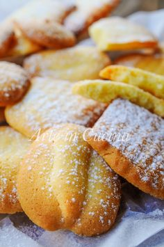 Goal - Italian Pastries, Pastas and Cheeses - Useful Articles Italian Butter Cookies, Italian Cookie Recipes, Italian Desserts, Mini Desserts, Italian Foods, Biscotti Cookies, Galletas Cookies, Top 10 Italian Dishes, Sweets Recipes