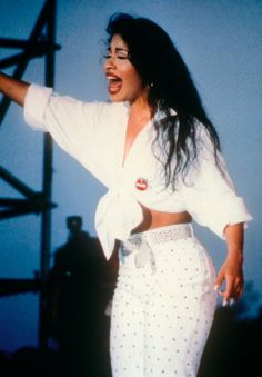"In that same year, her career got a big boost with the song ""Como La Flor."" 