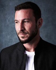 Pablo Schreiber Mad Sweeney, Beautiful Men, Beautiful People, Pablo Schreiber, American Gods, Famous Men, Fan Page, Man Crush, In Hollywood