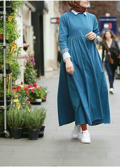 The weather is getting hotter a day after the other, and these hijab casual dresses will make you feel fresh and elegant in this kind of weather! Abaya Fashion, Muslim Fashion, Modest Fashion, Fashion Dresses, Muslim Dress, Hijab Dress, I Dress, Smock Dress, Modest Dresses