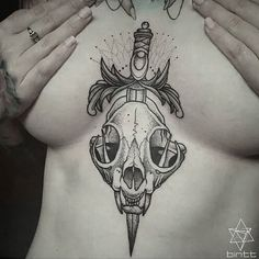 Done last year on @rosepricetattoo who's given me endless hour's of pain. Happy xmas Y'all xx…