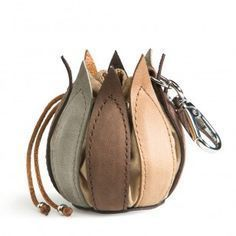 My Little Tulip vintage leather Multi bagTulip drawstring bag - use cotton & felt or leatherInspired by their roots, dutch company by-lin are renowned for their carefully crafted products. This purse is no exception with it& range of earth tone leath Leather Accessories, Leather Jewelry, Handbag Accessories, Leather Pouch, Leather Purses, Leather Handbags, Leather Bags, Leather Backpacks, Brown Leather