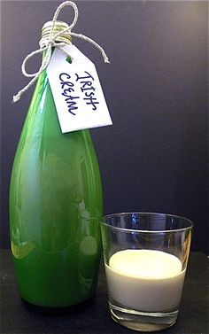 homeade irish cream... definitely giving this away as gifts someday
