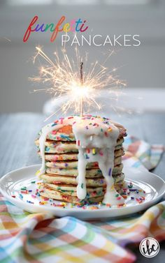 We're making Funfetti Pancakes! I've given my Homemade Pancake Mix an upgrade with sprinkles and frosting to create a tasty and colorful breakfast treat. Birthday Breakfast For Husband, Birthday Brunch, Birthday Meals, Hubby Birthday, 10th Birthday, Birthday Cake Pancakes, Pancake Cake, Pancake Party, Pancake Mix Uses