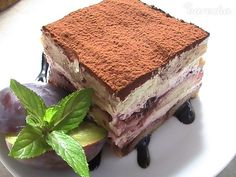 Slivkové skyr-amisu (fotorecept) - recept | Varecha.sk Tiramisu, Treats, Cake, Ethnic Recipes, Food, Sweet Like Candy, Goodies, Kuchen, Essen