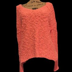 HPFree People chunky sweater This is sooo cute! It's a pinkish orange color. Very soft and warm! Could also fit a small or medium if you don't want the mega oversized look. HP 2.8.16 Top TrendsBUNDLES OF 5 OR MORE ITEMS ARE 50% OFF! Free People Sweaters V-Necks