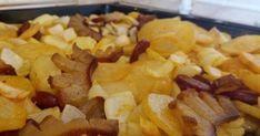 Betyárkrumpli az ősöktől recept képpel. Hozzávalók és az elkészítés részletes leírása. A Betyárkrumpli az ősöktől elkészítési ideje: 80 perc Potato Recipes, Snack Recipes, Snacks, Eat Pray Love, Cake Cookies, Bacon, Goodies, Chips, Food And Drink